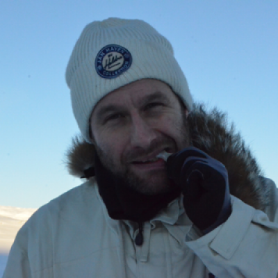 Bjørnar Fykse. Jobb:Mekanikar i Nordsjøen. Favorittfjell: Lokalpatrioismen er sterk, så mitt favorittfjell er Fagraseteggi. Mål for turen: Liding fører fram. Og no vil eg prøva å lida meg fram til Oslo for tredje gong.